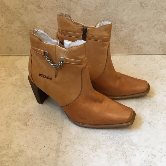 DURANGO TAN LEATHER ANKLE BOOTS